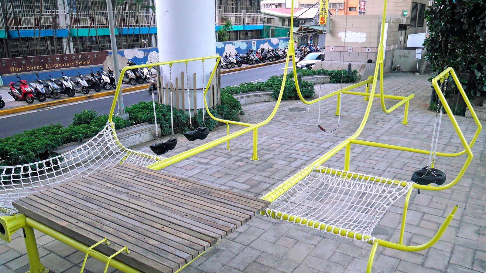 Swings Park: Um playground construído em Taipei com resíduos urbanos